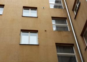 Väike Karja 7 aknapesu 300x214 Fassaadi puhastus ja hooldus kõrgustes