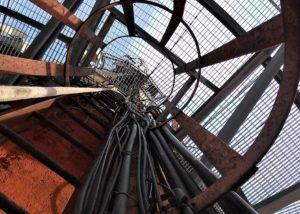 VKG korstna trepi paigalamine 300x214 Tehtud Tööd