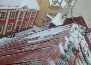 Rahumäe 28 lumekoristus 6 300x214 Lume ja jää eemaldamine katuselt